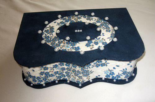 boite chantournée bleue Marie Christine