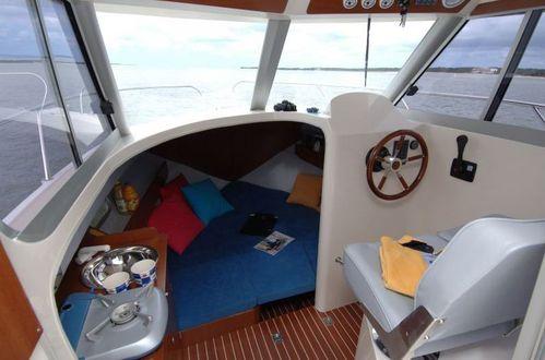 Ocqueteau-6.95-cabine-interieure