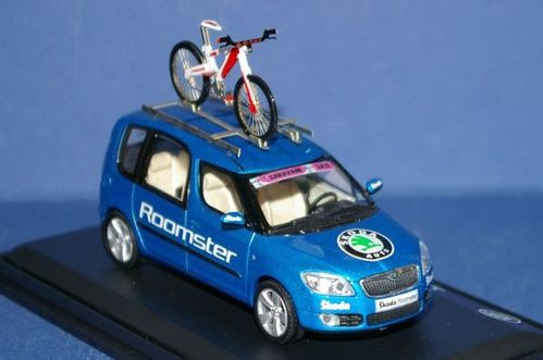 Collection de véhicules du Tour de France - Page 6 2006-Skoda-Roomster-Tour-de-France--6-