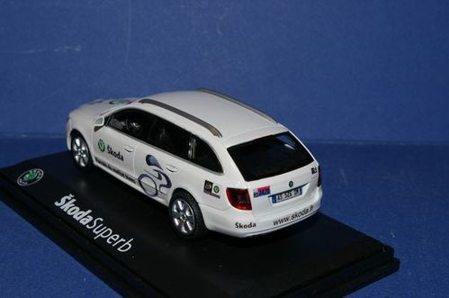 Skoda Superb Combi Officielle Tour de France 2010