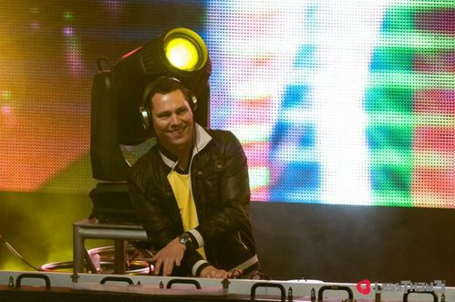 tiesto at I love this city festival 26 May 2012 (19)
