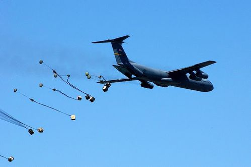 avion-estado-unido-lanza-municiones-a-daesh.jpg