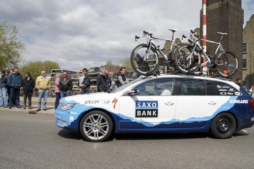1005 Giro car saxo