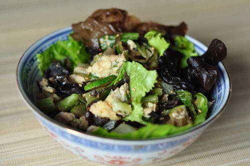 Courgettes et pak-choïs sautés, champignons noir-copie-2