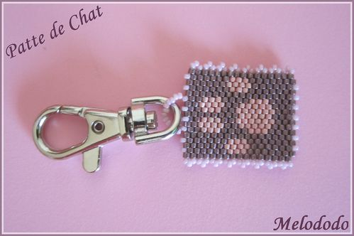 Porte clefs patte de chat Violet et Rose