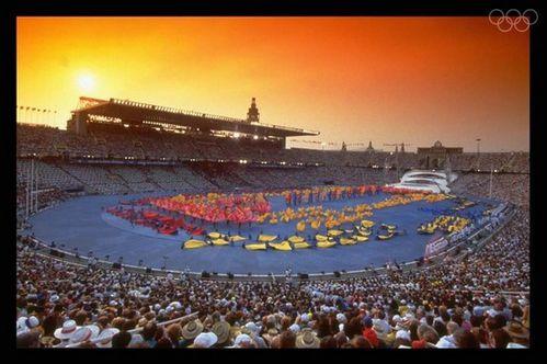 stade-olympique-1992-barcelone-ceremonie-ouverture.jpg