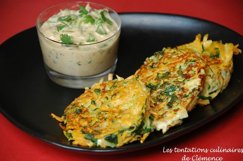 paillassons-courgette-patate-douce-sauce-pimentee-cacahue.jpg