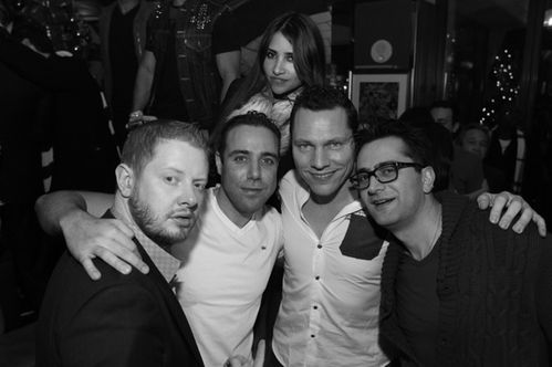 Tiesto-and-friends-celebrating-at-Lost-Angels-at-Hyde-Bella