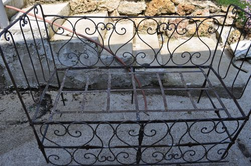 Lit en fer forg du crochet et des infos au coeur de marie for Repeindre un lit en fer forge