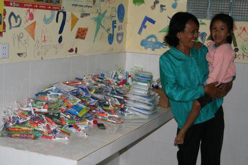 livraison orphelinats brosses à dents dentifrice janvier
