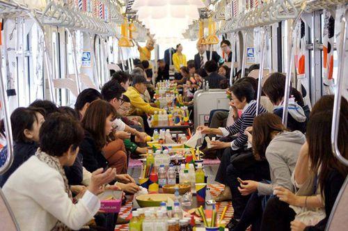 ikea-metro-tokyo-00.jpg