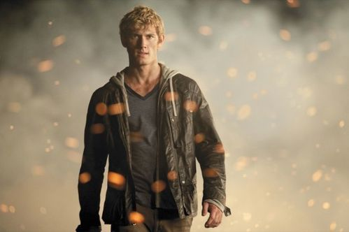 Alex-Pettyfer-in-I-AM-NUMBER-FOUR-550x366.jpg