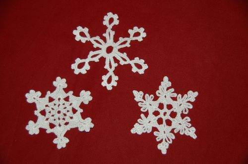 deco noel au crochet 3 flocons de neige tutoriel gratuit. Black Bedroom Furniture Sets. Home Design Ideas
