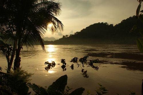 coucher-de-soleil-sur-le-mekong.JPG