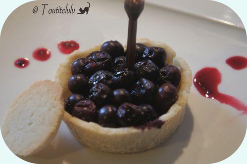 tarte-a-la-myrtille-sur-pate-coco--3-.JPG