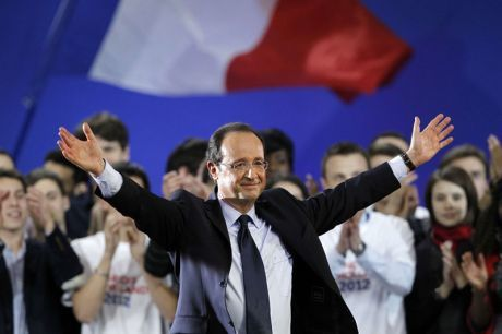 _120122-hollande-drapeau.jpg
