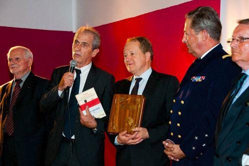 remise-du-prix-encre-de-marine-2012.JPG