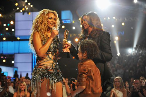 beyonce at the billboard awards 2011