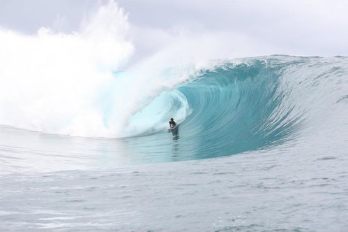aLVINO-tUPUAI-TEAHUPOO-662RIDE-SHOP-FROM-TAHITI-2.jpg