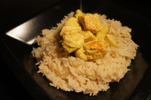poulet au curry et son riz pilaf o gourm ndiz. Black Bedroom Furniture Sets. Home Design Ideas