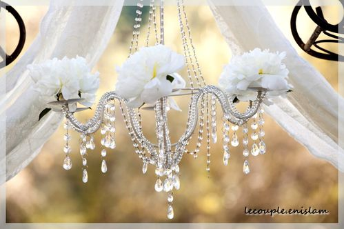 wedding-ideas-we-love-floral-adorned-chandeliers-4-copie-1.jpg