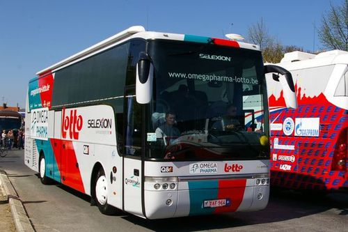 Amstel-Gold-Race-2011-bus-omega-pharma-lotto.jpg