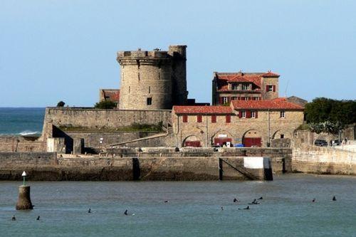 Batteur au fort de socoa dans le pays basque ecole - Fort de socoa ...