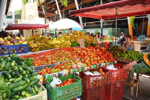 2011 05 28 Marché Basse-Terre (5) (Grand)