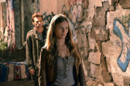 Billy-Burke-and-Tracy-Spiridakos-in-REVOLUTION-Episode-1.07.jpg