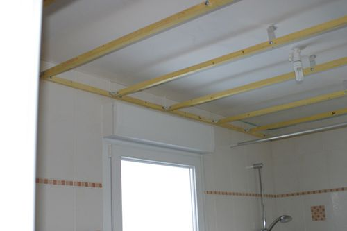 Photo mur lambris devis entrepreneur antibes soci t ajnnp - Dalle plafond suspendu brico depot ...