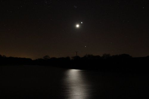 lune-venus-jupiter-pliades-sur lac 26 mars 2012