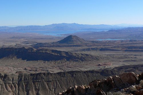 Nevada-Frenchman Mountain looking east Nevada-Stan Shebs-Wikipedia