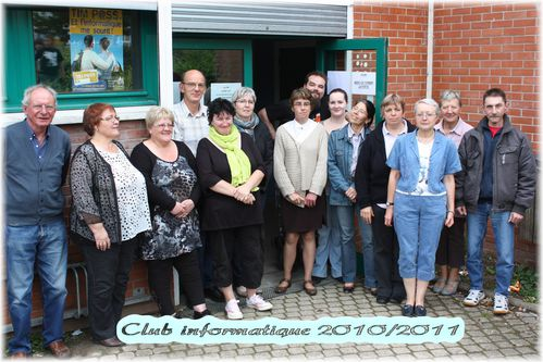 club-informatique-2010-2011.JPG