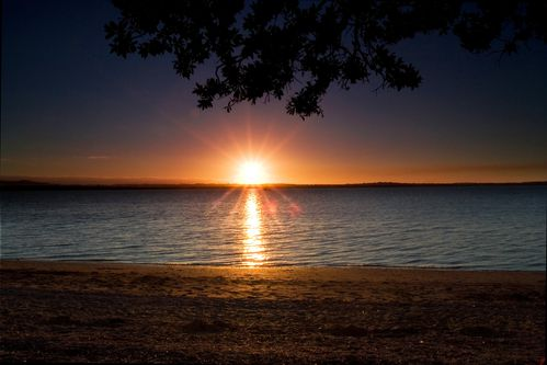 Beach_Sunset_Beach_Sunset_at_Point_Chevalier_Beach___Auckla.jpg