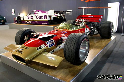 Lotus-Ford 49B Gold Leaf