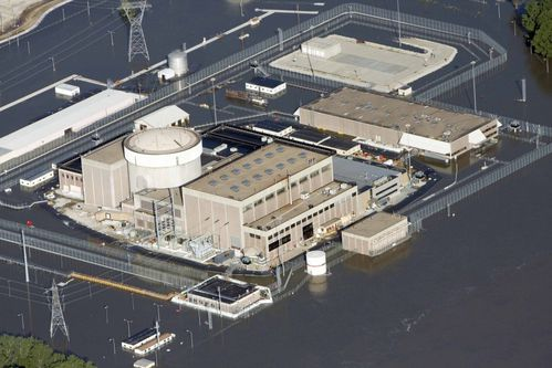 120129-an-aerial-view-of-the-fort-calhoun-nuclear-power-pla.jpg