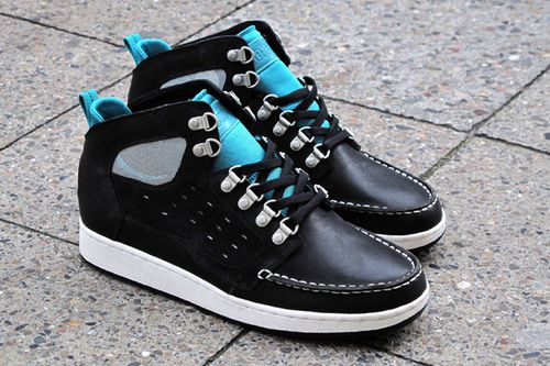 solebox-lacoste-10789-boots-black-brown-5