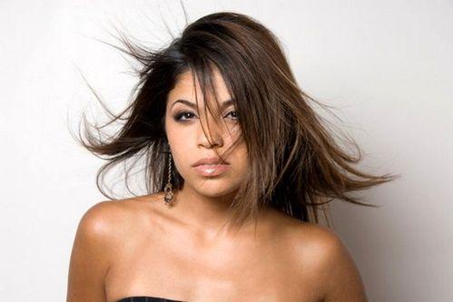 La chanteuse marocaine Noria, va se hisser dans les charts en France !