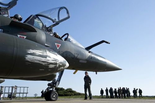 682755_a-french-air-force-mirage-2000-jet-make-preparations.jpg