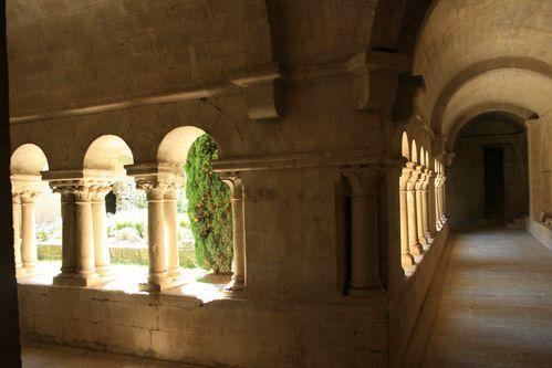 Ganagobie-prieuré-cloitre2