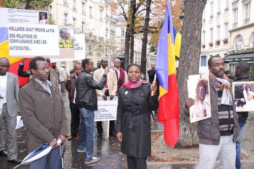Manif-a-Paris-le-08-octobre-2012-contre-Deby---la-Francaf.jpg