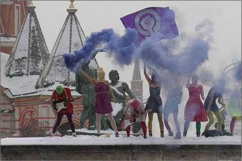 Pussy_Riot_at_Lobnoye_Mesto_on_Red_Square_in_Moscow_-_Denis.jpg