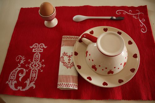 set-de-table-rouge 2555