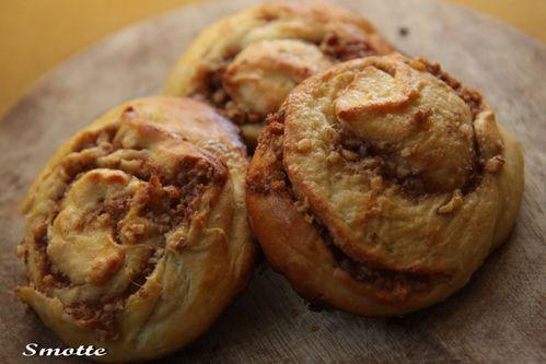 Brioches-au-sirop-d-erable-et-aux-noix.jpg