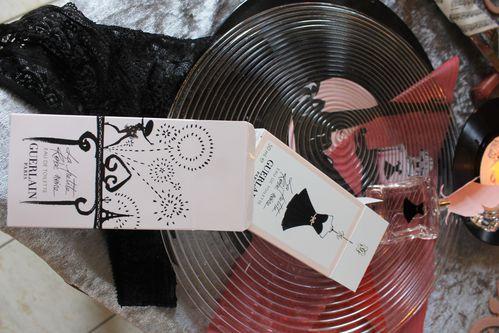 La-frivole-petite-robe-noire 6906