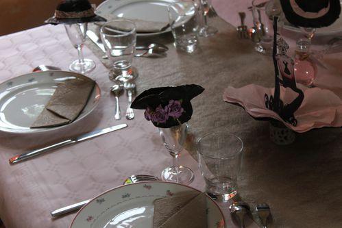 table-Quand-la-petite-robe-noire-rosit 0195