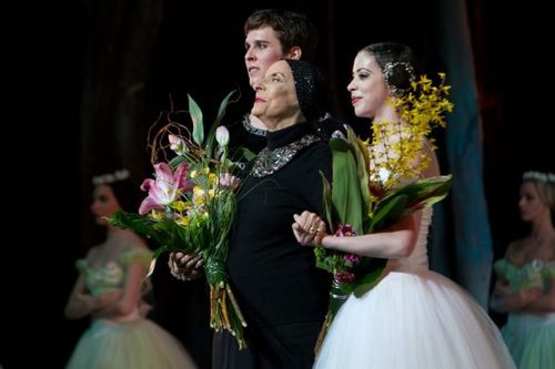 239549-alicia-alonso-directrice-ballet-national.jpg