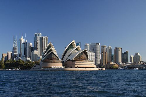 800px-Sydney opera house and skyline