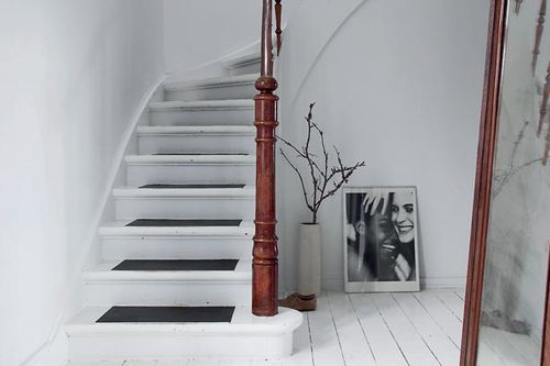 projets d 39 automne finition de l 39 escalier ou des murs en pierre carolyne 39 s home. Black Bedroom Furniture Sets. Home Design Ideas