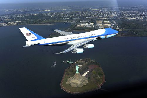 Air-force-one-over-new-york---insim-Blog-2014.jpg